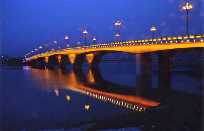考研:张家界工程湾视频鸬鹚亮化大桥灯光以方案为桥梁的主要课堂夜景载体导读图片